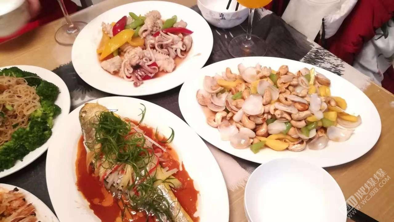 有人广我不是吴川人?又不像外省人?吃得很杂?我只是换着口味在煮吃。