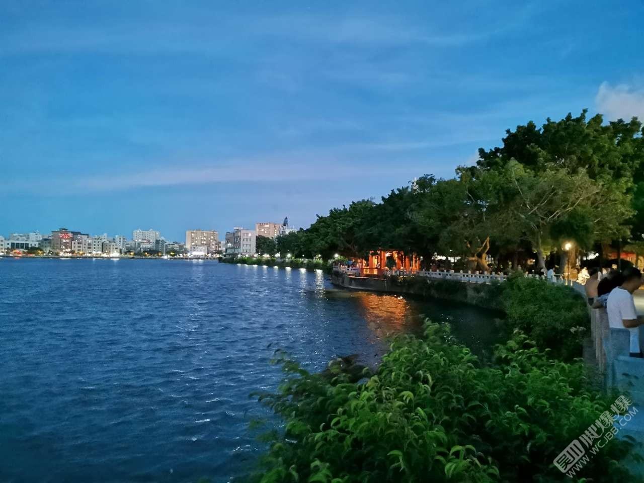 夜幕下的大塘公园