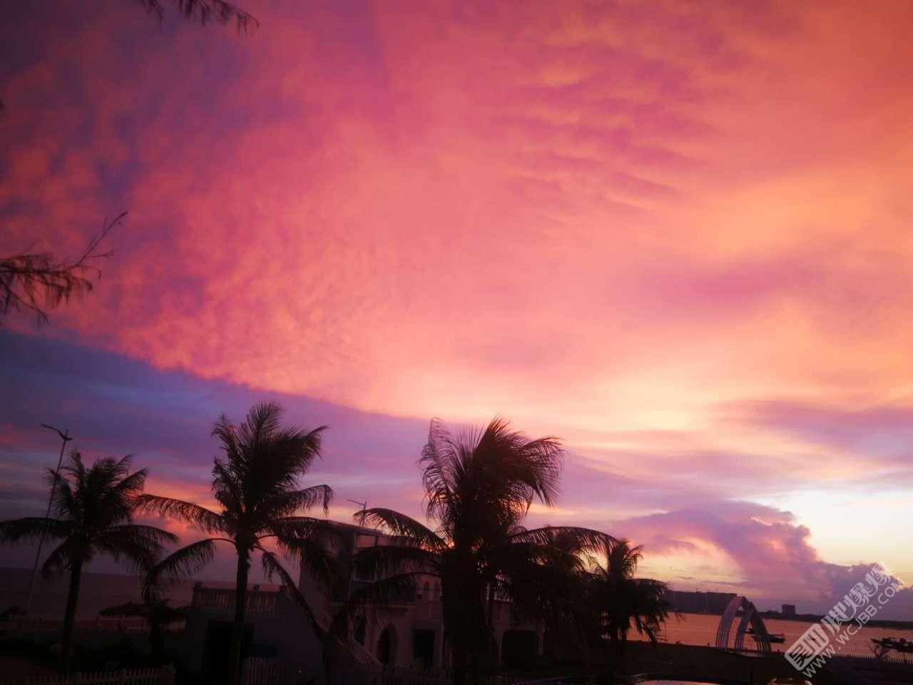 今晚的天空是彩色的