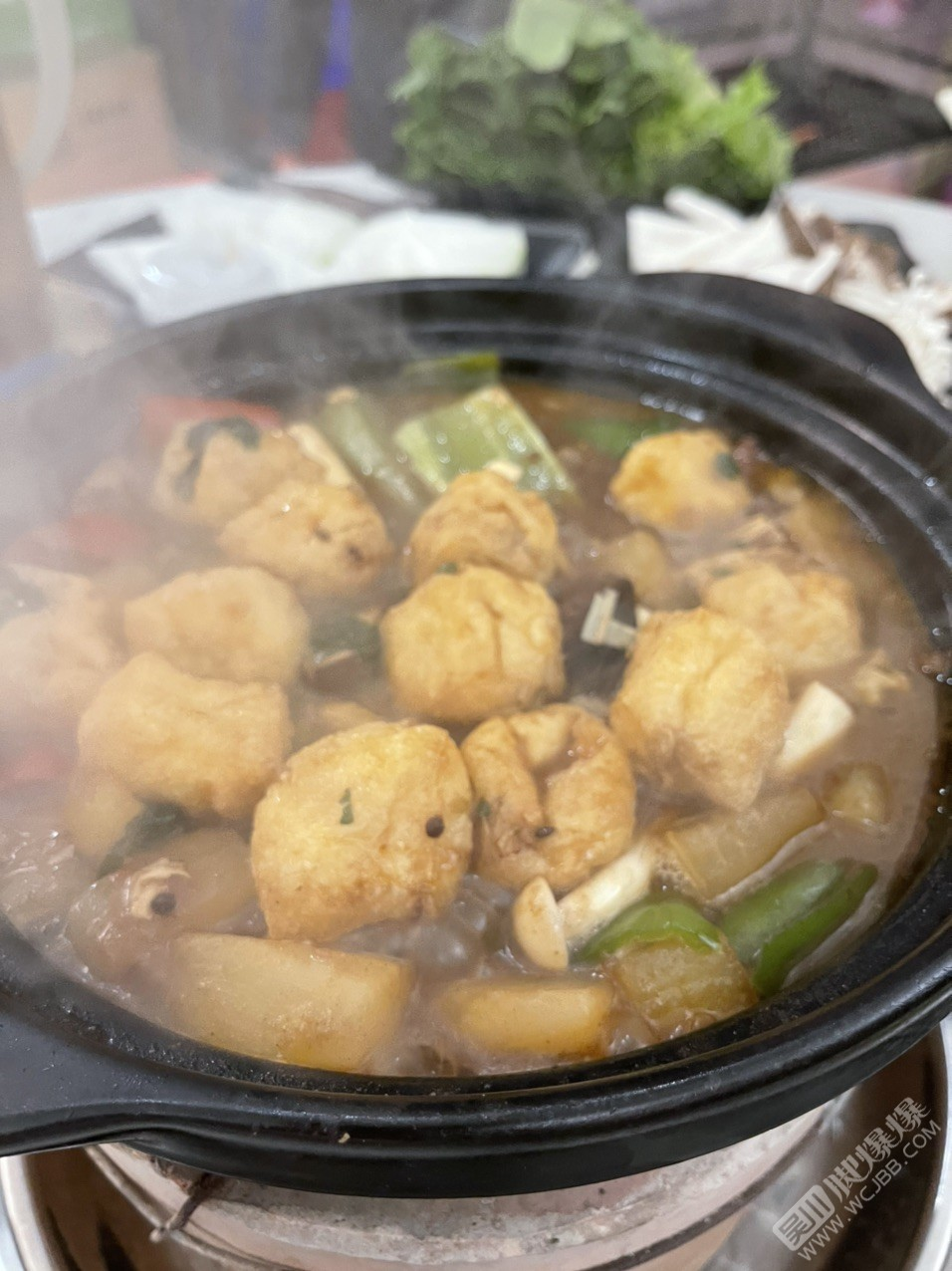 冷天適合打邊爐!最喜歡這家獨特的風味,先喝湯再吃肉的感覺真是一流!