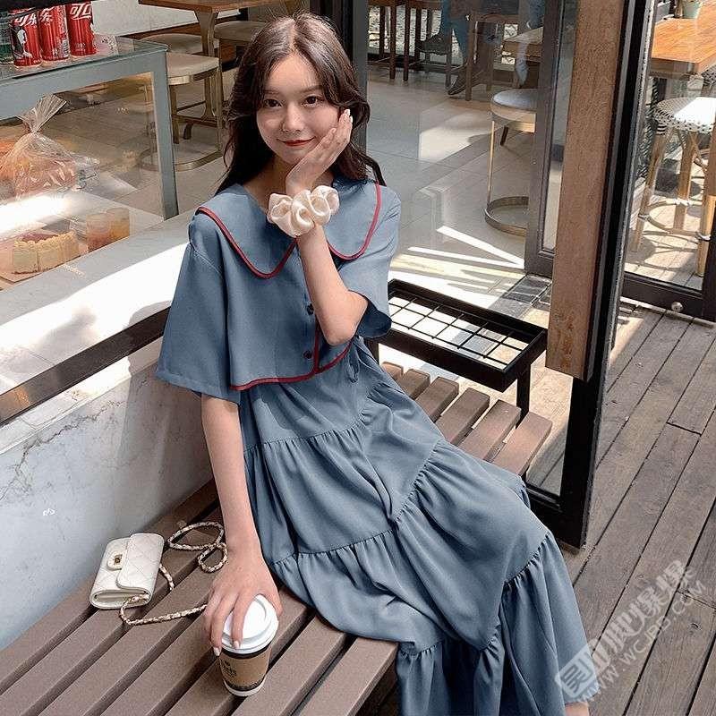 大家幫我看看哪條裙子好看,穿去相親的,你們覺得哪條穿起來更吸引人呢